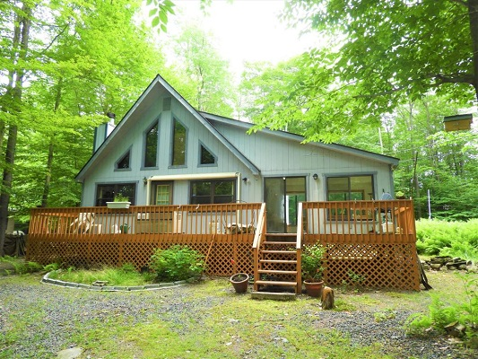 92 SUNSET DRIVE, GOULDSBORO, PA 18424 REDUCED!